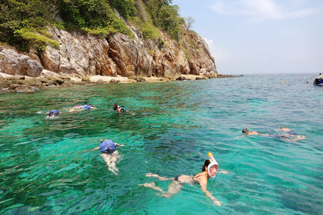 Phi Phi and Honeymoon Island Snorkelling Tour