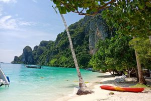Phi Phi and Honeymoon Island Snorkeling Tour